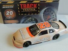 MOTOR SPORTS AUTHENTIC # 20 TONY STEWART.1:24 SCALE TRACK TESTED 2006 MONTE SS