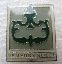 Pin's Logo Demeur Hotel Paris  #A3