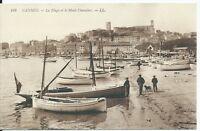 CPA- 06 - CANNES - La plage et Le mont Chevalier