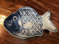 """Blue&White Asian Chinese PIRANHA Porcelain Small Dish Signed .75"""" T 4"""" Long"""