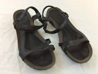 Teva Black & Espresso Brown Womens Size 11 Strap Sport Sandals