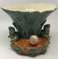 Distinctive Vintage Frog 3D Pottery Vase - Frogs and Waterlilies