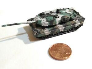 Takara 1/144 World Tank Museum 6. Germany Leopard 2A6 Winter Camouflage (#108)MG