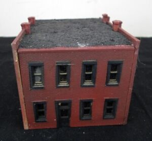 N Scale Red Brick Apartment Building - Assembled - NICE!