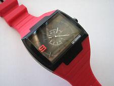 Neue sehr schöne hochwertige DETOMASO Sandro Analog Mode Watch (rote Farbe)