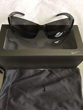 100% Auténticas Nike EV 0264 001 Lunge-Gafas De Sol Nuevo Y En Caja £ 80