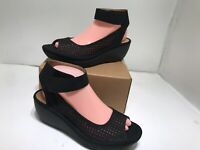 CLARKS Collection Women's Reedly Salene Wedge Sandals Black Size 9 / 40 - Mint