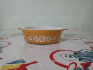 Vintage PYREX Butterfly Gold #471 1 PT Casserole Baking Dish Yellow