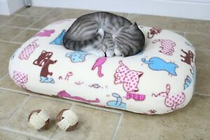 Bean Bag Cat Bed, Calming Cat Cushion Nesting Bed, Soft Fleece Washable Cover.