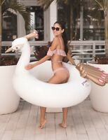 Mimosa Inc White Peacock Inflatable Premium Quality Giant Round Pool Toy Float