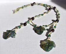 Halskette mit Blaettern Edelsteingravur graviert Edelstein 925er Silber gruen