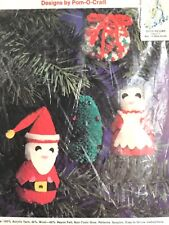 Yarn Pom Pom Christmas Kit Santa Claus Mrs. Clause 1978 Pom-O-Craft vtg ornament