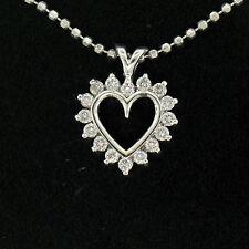 14k ORO BLANCO 0.40ctw Diamante Brillante Redondo Colgante corazón abierto