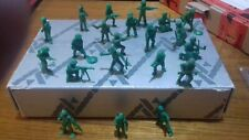 DUNKIN TITO PLASTIC  USA WWII  KOREA 21 SOLDIERS LOT 30 mm VERY GOOD CONDITION