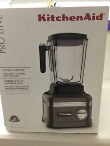 KitchenAid KSB8270MS Pro Line Series Blender, 3.5 HP, Medallion Silver Unopened