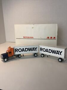 Winross Double Trailers Roadway Express Inc. 1992 Die Cast