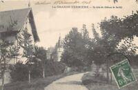 La GRANDE-VERRIERE - un coin du château de Savilly