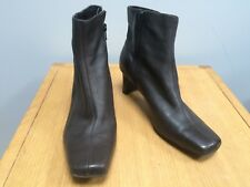CLARKS Ladies Brown Leather Classic Style Ankle Boots @ Size 6 D