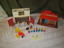 Vintage Fisher Price Little People Play Family Western Town 934 Barn 915 Animals