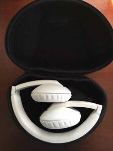 MAGNAT LZR 760 Headphones (Pure White)