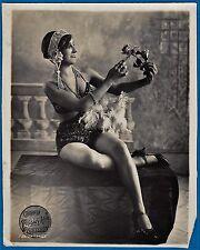 vintage photo exotic sexy burlesque dancer girl Cuba cigars Foto ca 1925 fashion