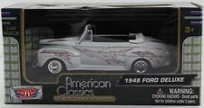 1948 Ford Deluxe 1:43 Diecast Model Car From Motormax 73841AC