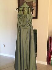Jessica McLintock Long Gown Size 12 Strapless Taffeta Ballgown With Shawl