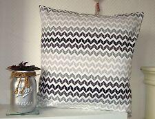 """Taie d'oreiller à motifs géométriques """"zig-zag"""" noir et blanc 40x40cm pillowcase"""