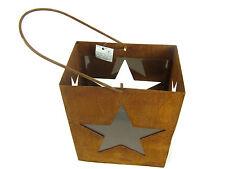 Laterne aus Edelrost mit Henkel, oben offen, mit 4 Sternen, quaderförmig, Latern