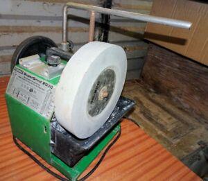 Tormek Supergrind 2000 watercooled grinding machine for edge tools