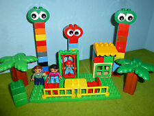 Lego Duplo Holiday Park with Mother Father Child Ground Plate Stones 007