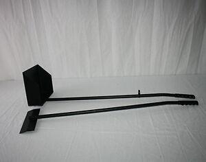 Kotschaufel Hund / Kotkratzer Metall schwarz 22 x 18 cm mit Stiel 85 cm