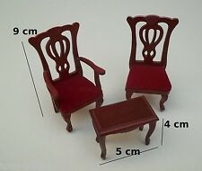 lot de deux chaises et une table basse,miniature,maison de poupée, vitrine **0cc