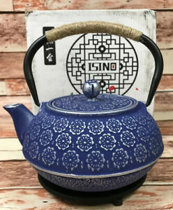 Isino Blue Floral Design Japanese Cast Iron Teapot 34 Ounces
