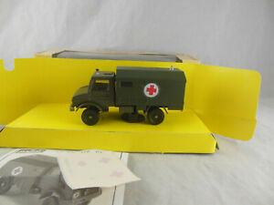 Solido 6046 Mercedes Unimog Army/Military Ambulance 1:50 scale