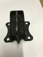 Ford Anglia 105E, Estate / 307E Van,  Engine mount