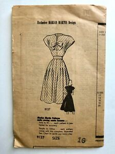 Vintage 1954s MARIAN MARTIN Sewing Pattern WWII Swing Dress KEYHOLE Neckline 16