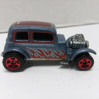 REDLINE 1968 Hot Wheels Die Cast 1932 FORD VICKY Silver Blue Red Flames 1/64.