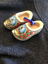 Vtg Holland Solid Wood Hand-Carved & Painted Miniature Collectible Dutch Clogs