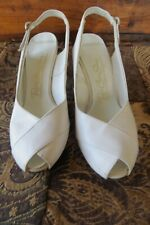 "Vintage Size 6-B  ""Red Cross Shoes"" White Heels - Open Toes & Heels - 1950's"
