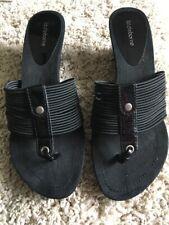 7cad92108f13ae Liz Claiborne Slip On Sandals Black Vinyl Toe Strap Thatched Wedge Heel Size  11M