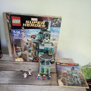 LEGO 76038 Super Heroes Attack on Avengers Tower boite et notice
