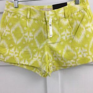 NWT Banana Republic Ryan Fit Women's Lime Green City Roll Up Shorts Sz 2