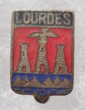 Insigne Blason ancien émail Ville LOURDES h.18mm ORIGINAL France pin badge