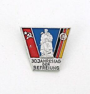 """DDR Anstecker """"30. Jahrestag der Befreiung"""""""