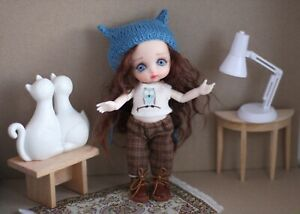 A bjd doll with set of clothes. 6,3 inch doll, ooak.