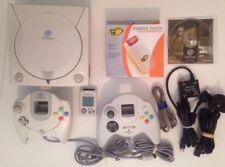 Retro Sega DreamCast Bundle Console 2x Conteoller Force Pack VMU Tomb Raider PAL