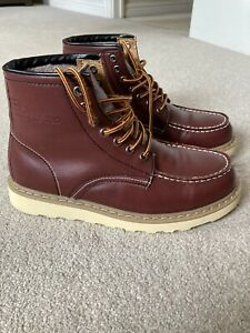moc toe Work boots Size 8