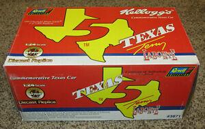 97 Kellogg'sTerry Labonte #5 Inaugural Texas Car Revell 1:24 Diecast Nascar Race