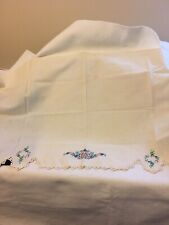 Vintage Embroidered Runner With Crocheted Trim Around 3 Sides